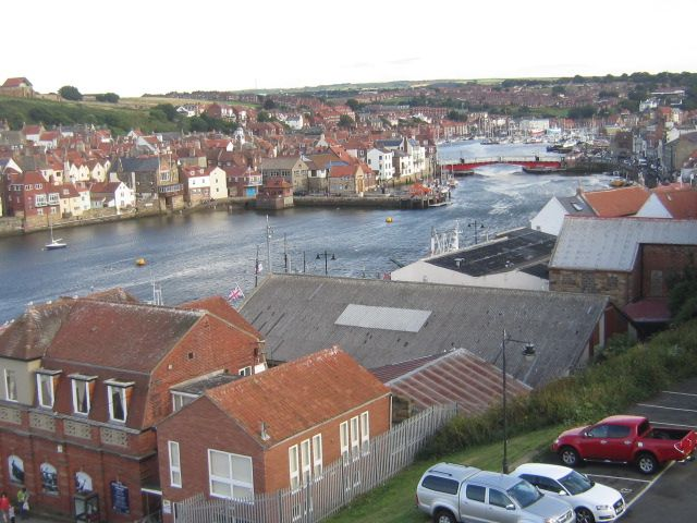 Whitby_harbour.jpg